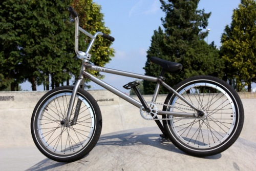 Mutiny Rune Custom Bike
